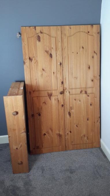 Wardrobe in orignal pine